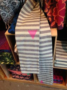urban-outfitters-triangle-rose