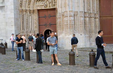 Devant la cathédrale de Rouen