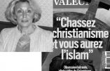 Elle exhibe la Une de Valeurs actuelles sur l'islam et le catholicisme et se retrouve en garde-à-vue