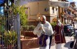 Coronavirus et Foi – En Sicile, un prêtre sort en procession le Saint-Sacrement