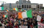 Des milliers d'Irlandais manifestent contre la dictature sanitaire