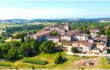 L'abbaye de Boulaur est implantée dans les environs de Toulouse depuis le XIIème siècle - © Divine Box