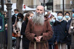 Le Père Joseph appelle les catholiques à entrer en dissidence face à la tyrannie mondialiste et anti-catholique